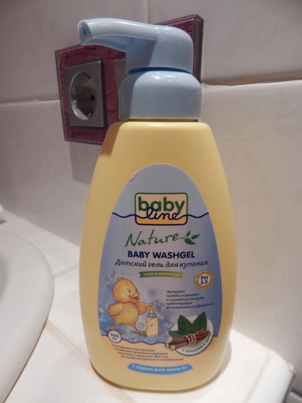 Детский гель для купания BabyLine Nature с солодкой и мятой