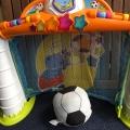 Отзыв о Игровой центр Chicco Футбольная лига: Супер игрушка! Играем всей семьёй в футбол, даже кот мяч гоняет :)